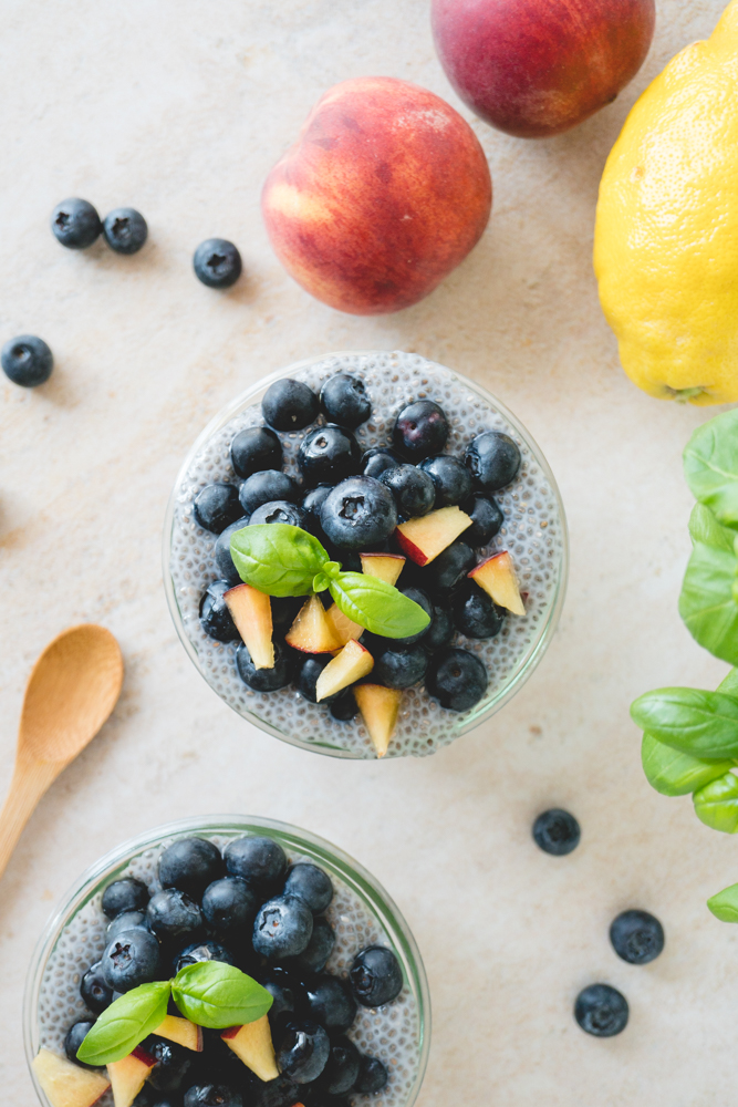 vegan peach & blueberry chia pudding 6