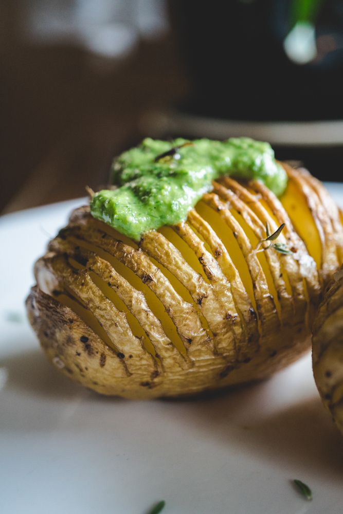 vegan hasselback potatoes