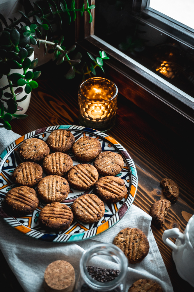 almond tahini cookies